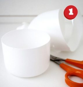 cách làm hộp đựng bút bằng chai nhựa và len 1
