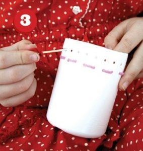 cách làm hộp đựng bút bằng chai nhựa và len 3