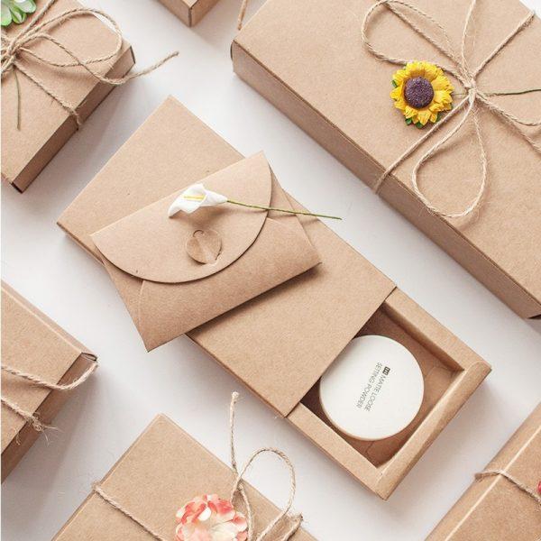 hộp quà giáng sinh bằng giầu kraft