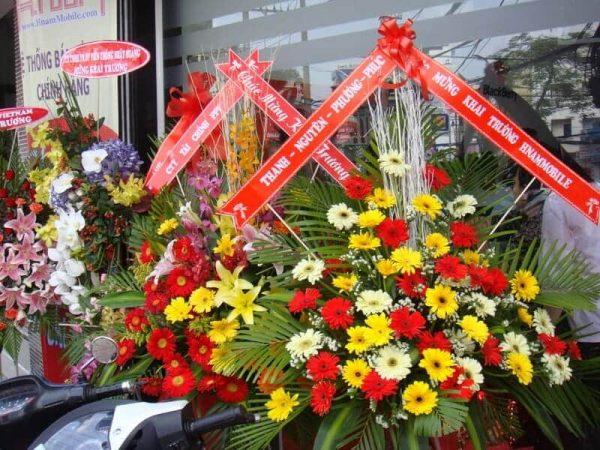 Quà tặng khai trương công ty- Lẵng hoa