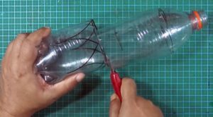 cách làm hộp đựng bút bằng chai nhựa 3