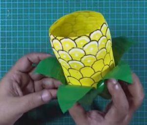 cách làm hộp đựng bút bằng chai nhựa 8