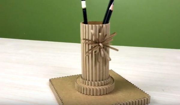 hộp đựng bút để bàn handmade