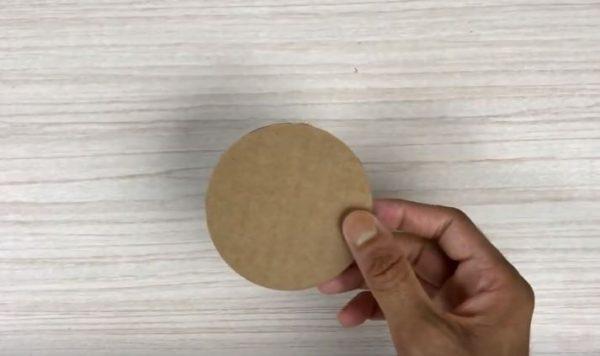 hộp đựng bút để bàn handmade bằng giấy cứng 1