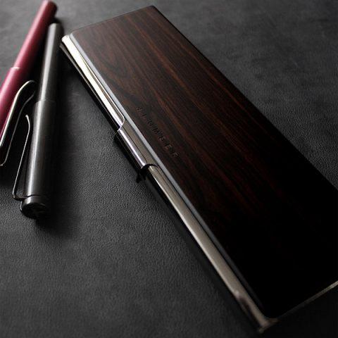 Ngỡ ngàng vẻ đẹp tinh tế của các mẫu hộp đựng bút cao cấp bậc nhất 2020