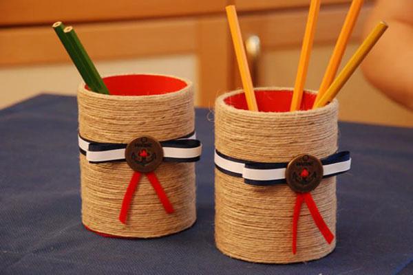 hộp đựng bút để bàn handmade bằng lon sữa 2