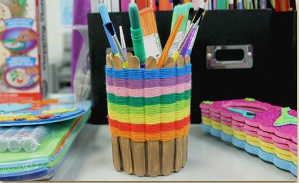 hộp đựng bút để bàn handmade bằng que kem