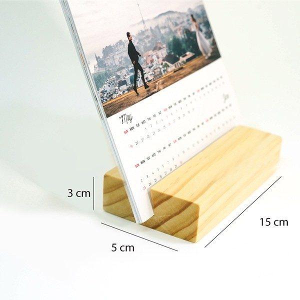 lịch bàn đế gỗ