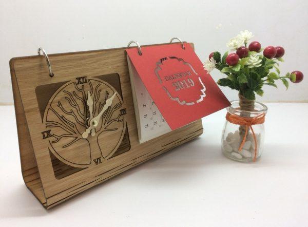 lịch bàn đế gỗ 8