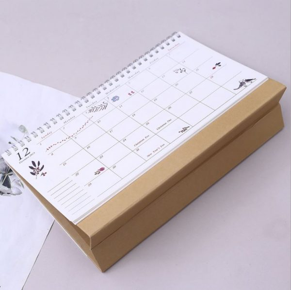 lịch để bàn chữ A 11
