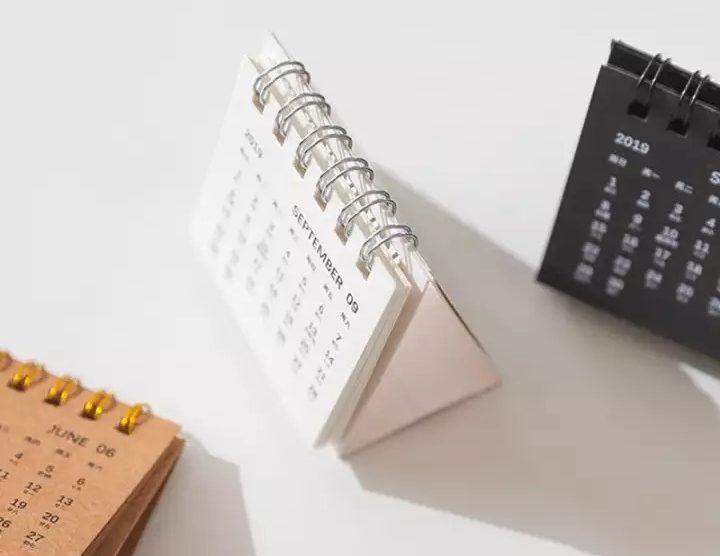 49+ mẫu lịch để bàn mini cực xinh làm quà tết hết ý