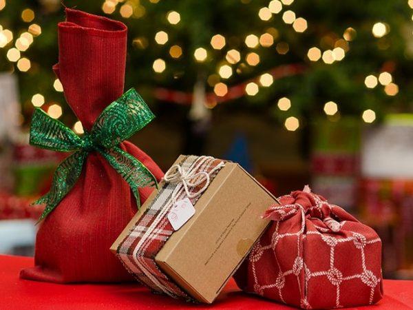 mua hộp quà Giáng sinh