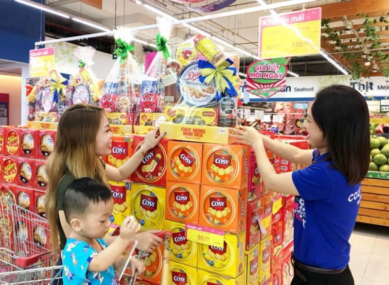 Mua quà tết tại siêu thị để đảm bảo chất lượng