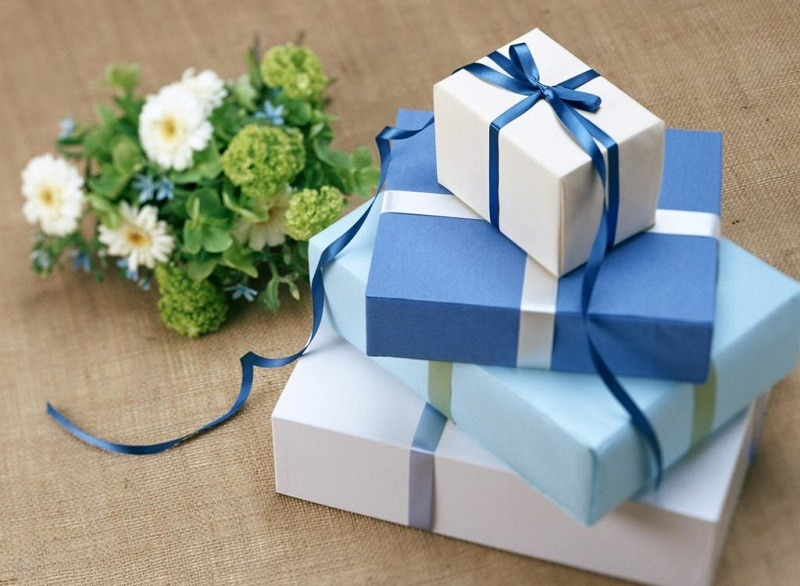Quà tết cho khách hàng: Bí kíp chọn quà giúp doanh nghiệp lấy lòng Thượng đế